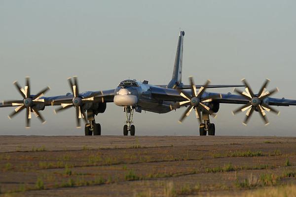 640px-Tupolev_Tu-95_Marina